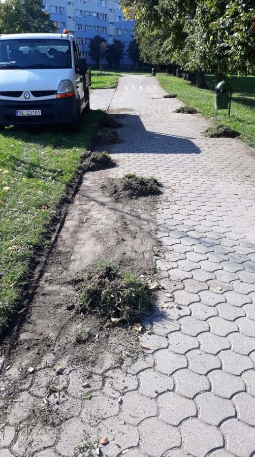 sprzątanie chodnika
