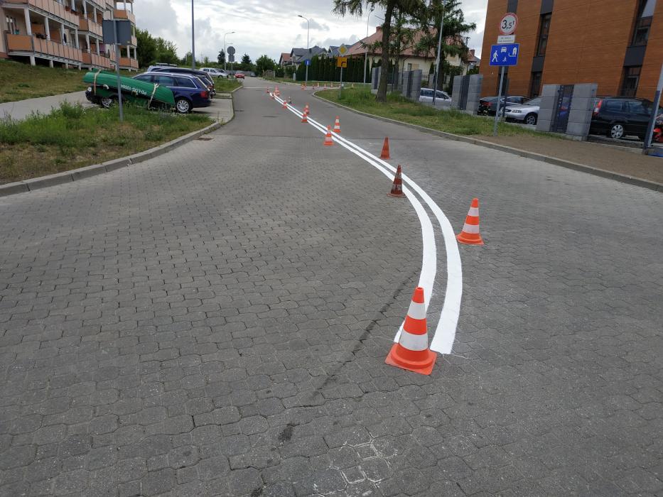 malowanie linii na jezdni